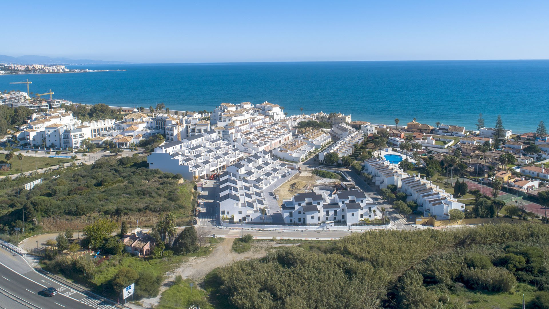Arroyo Beach: Apartments and penthouses only 200m from the beach