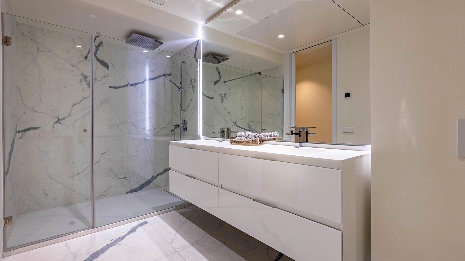 Darya: Eerste lijn strand luxe appartementen in Estepona