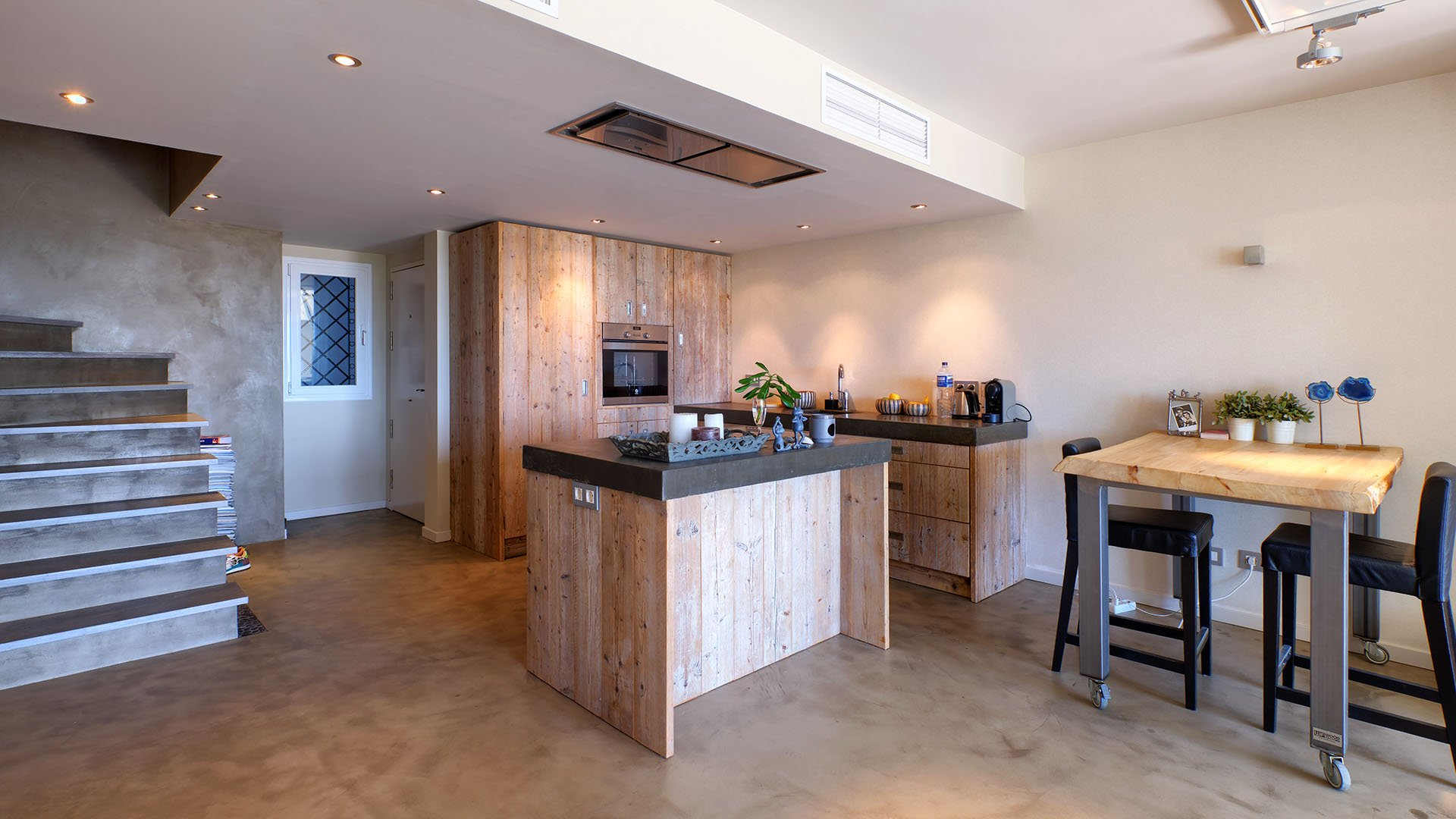 Los Altos del Paraíso: Volledig gerenoveerd duplex appartement in de buurt van Paraíso Golf