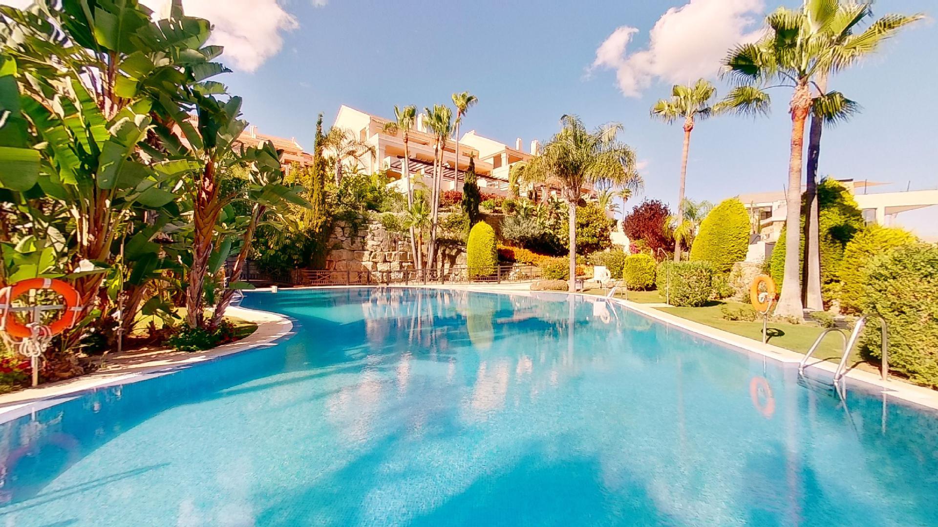 Albatros Hills: Spacious apartment in a top location in Nueva Andalucía