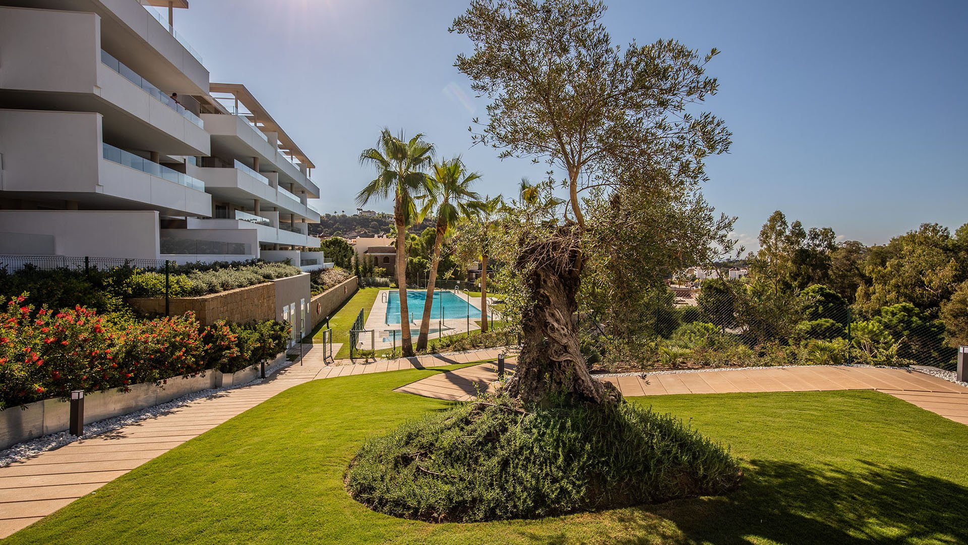 Botanic: Modern apartments at Los Arqueros Golf in Benahavís