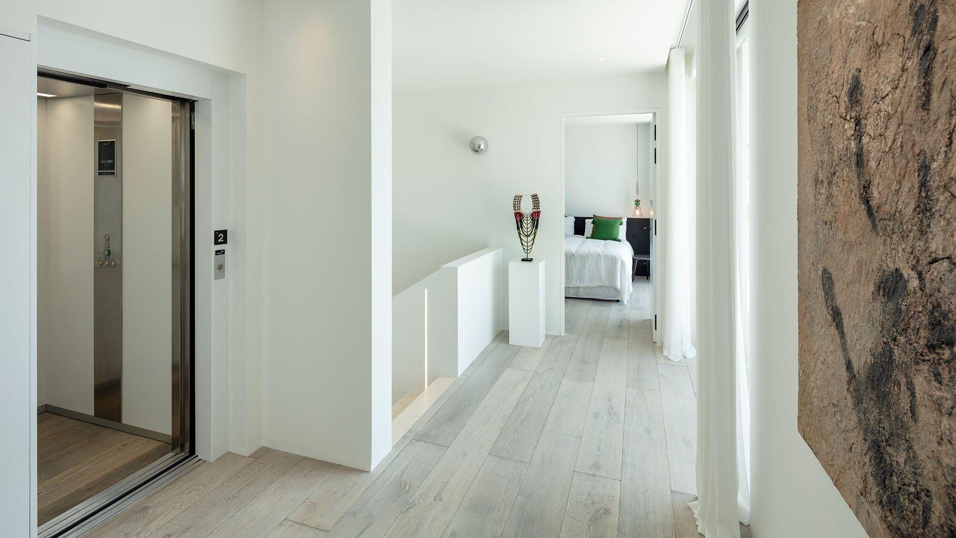 Camojan 45: Impressive newly built villa at the foot of Sierra Blanca in Marbella