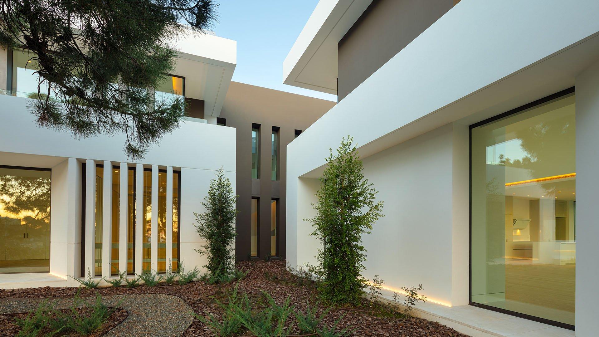 El Bosque: Moderne villa's in een exclusieve gemeenschap te Benahavís