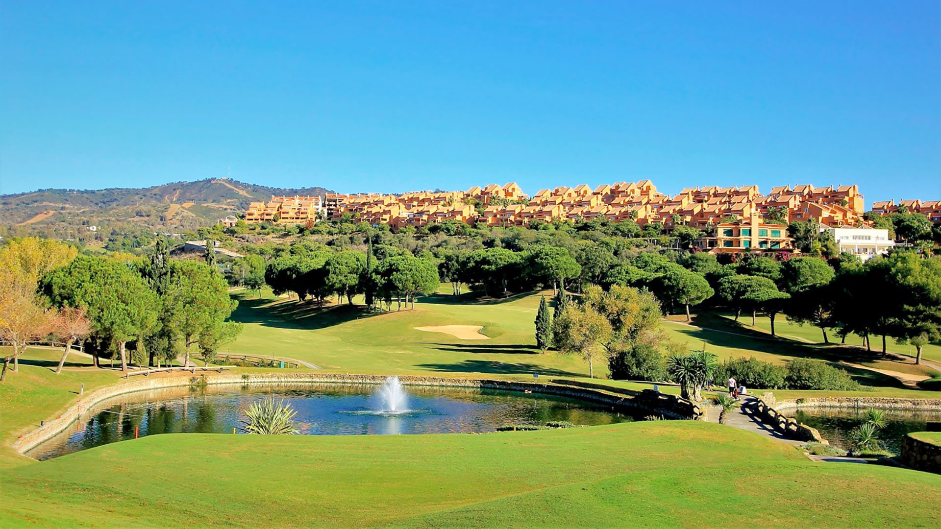 Heaven Marbella: Prachtige villa's in Elviria met panoramisch uitzicht