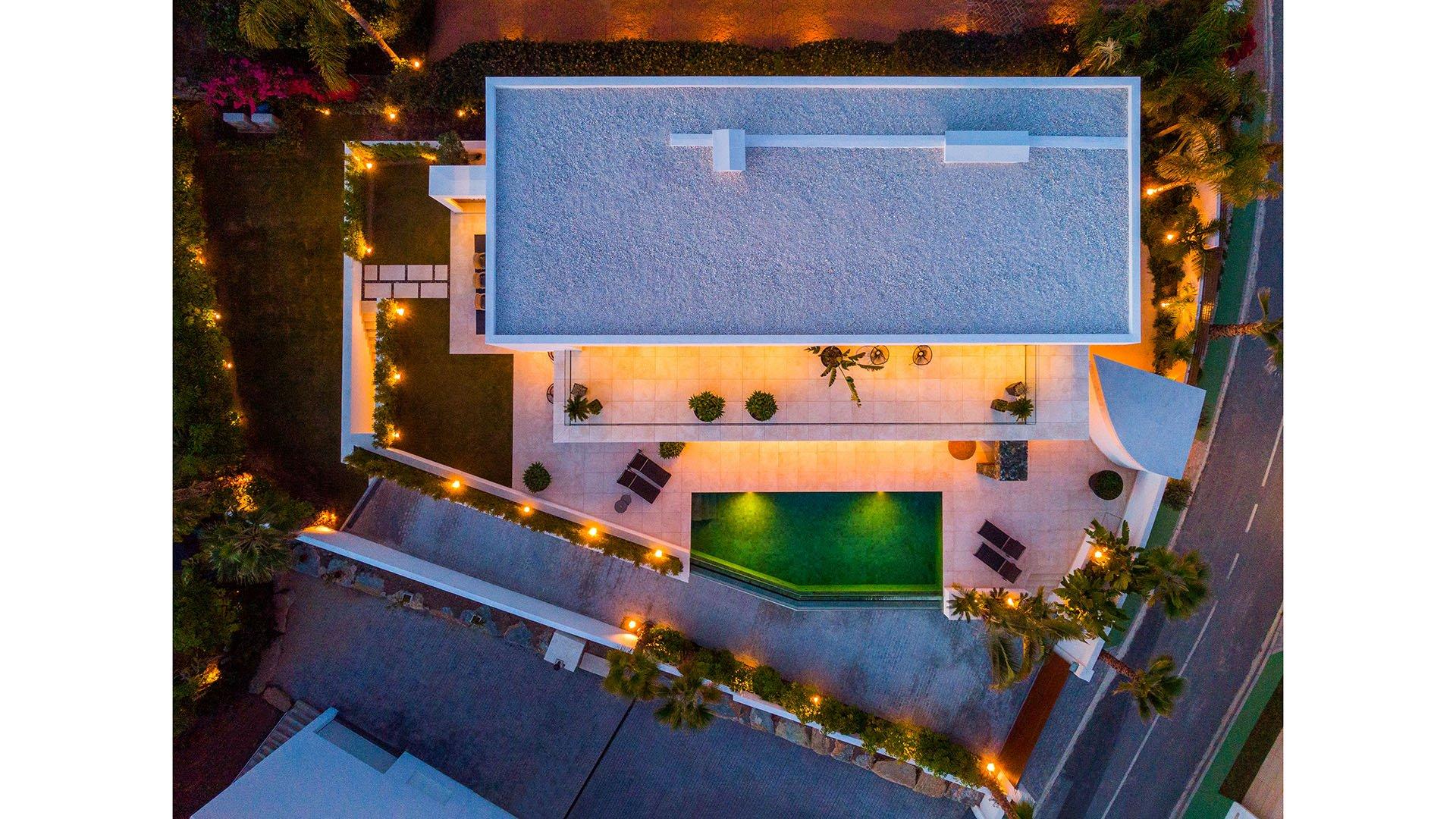 Hernán Cortés 119: Innemende eigentijdse villa in El Herrojo – La Quinta Golf