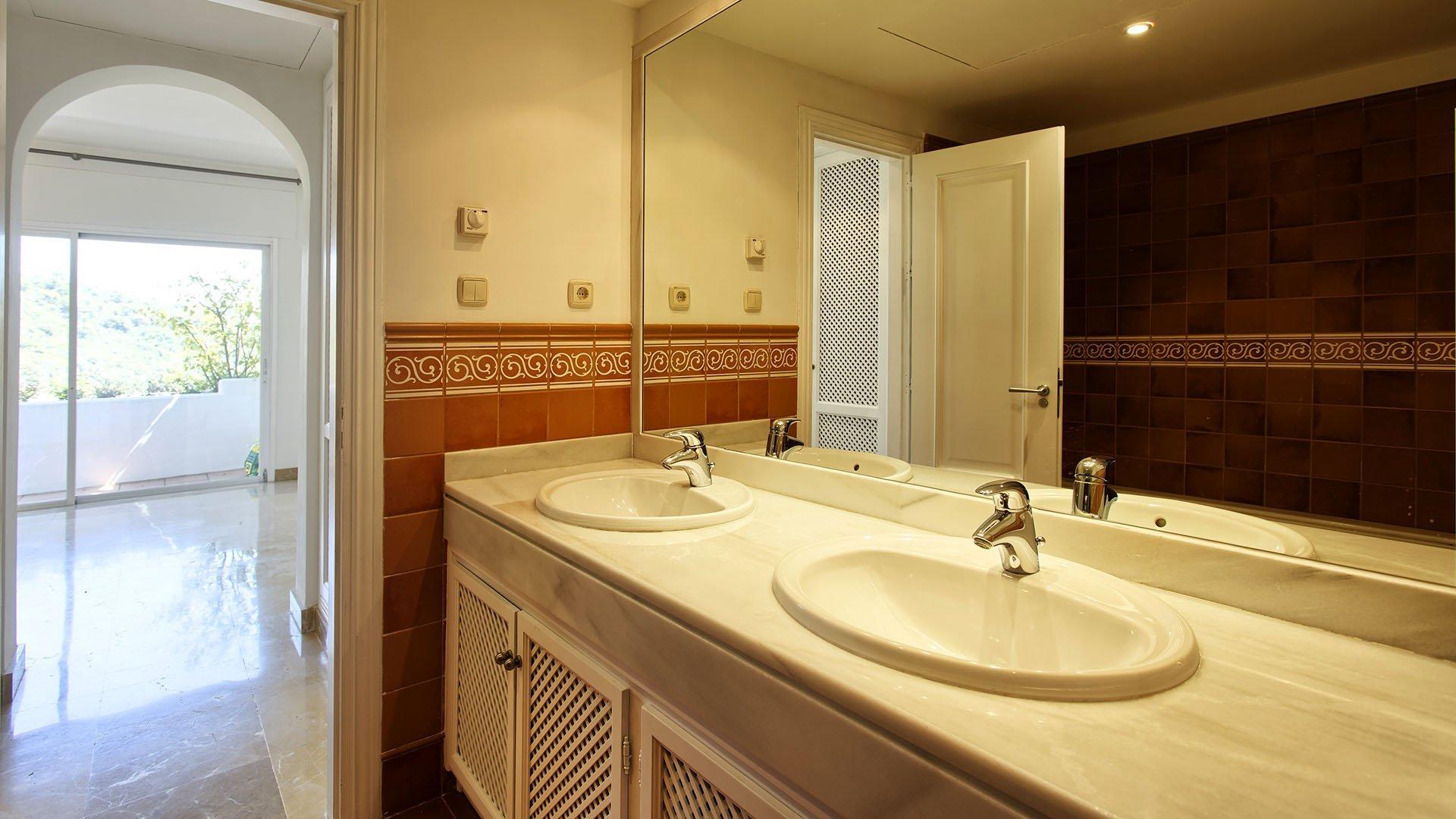 Lomas de La Quinta: Spacious duplex penthouse with stunning views