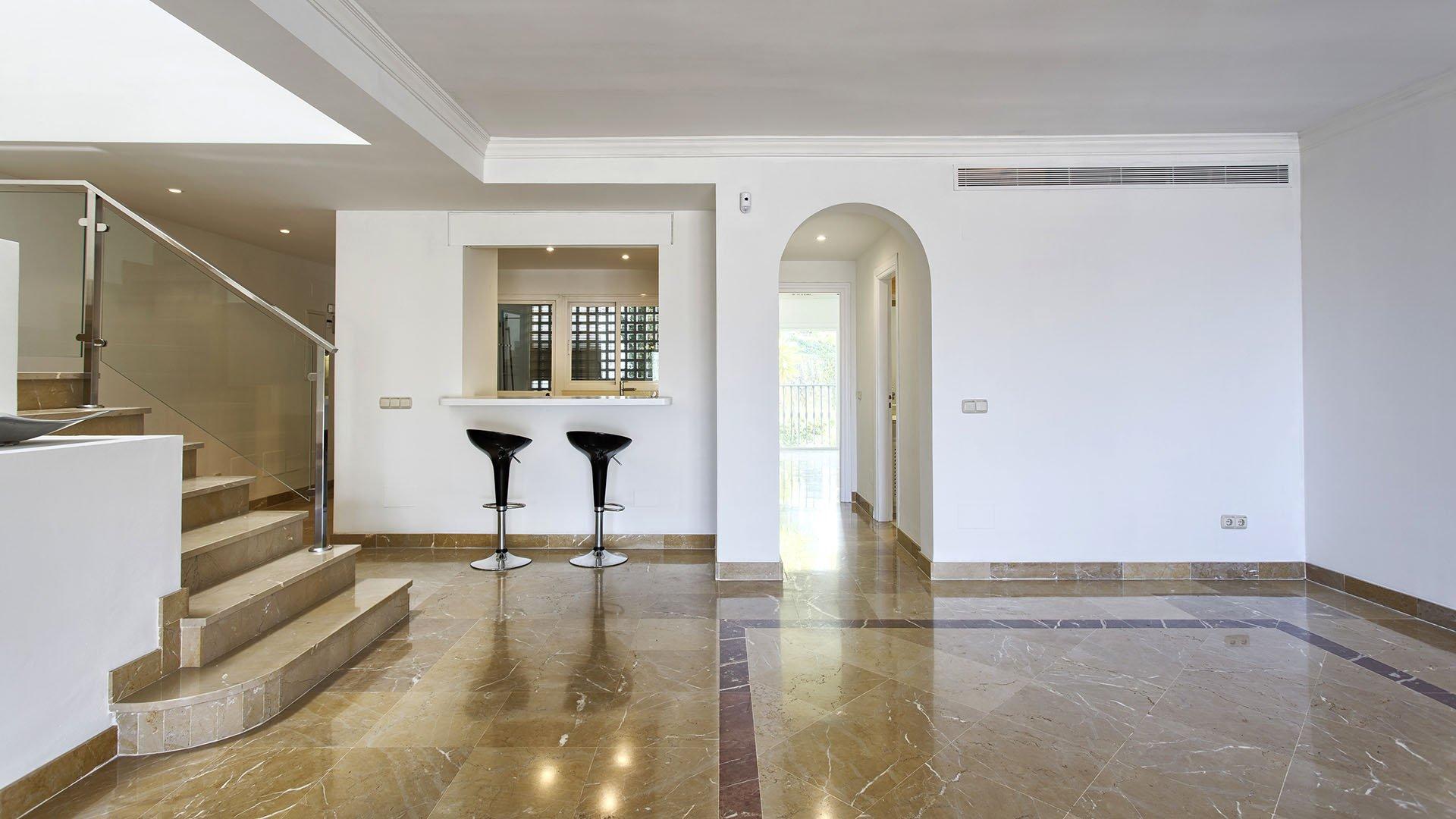 Lomas de La Quinta: Ruime duplex penthouse met prachtig zicht op golf en zee