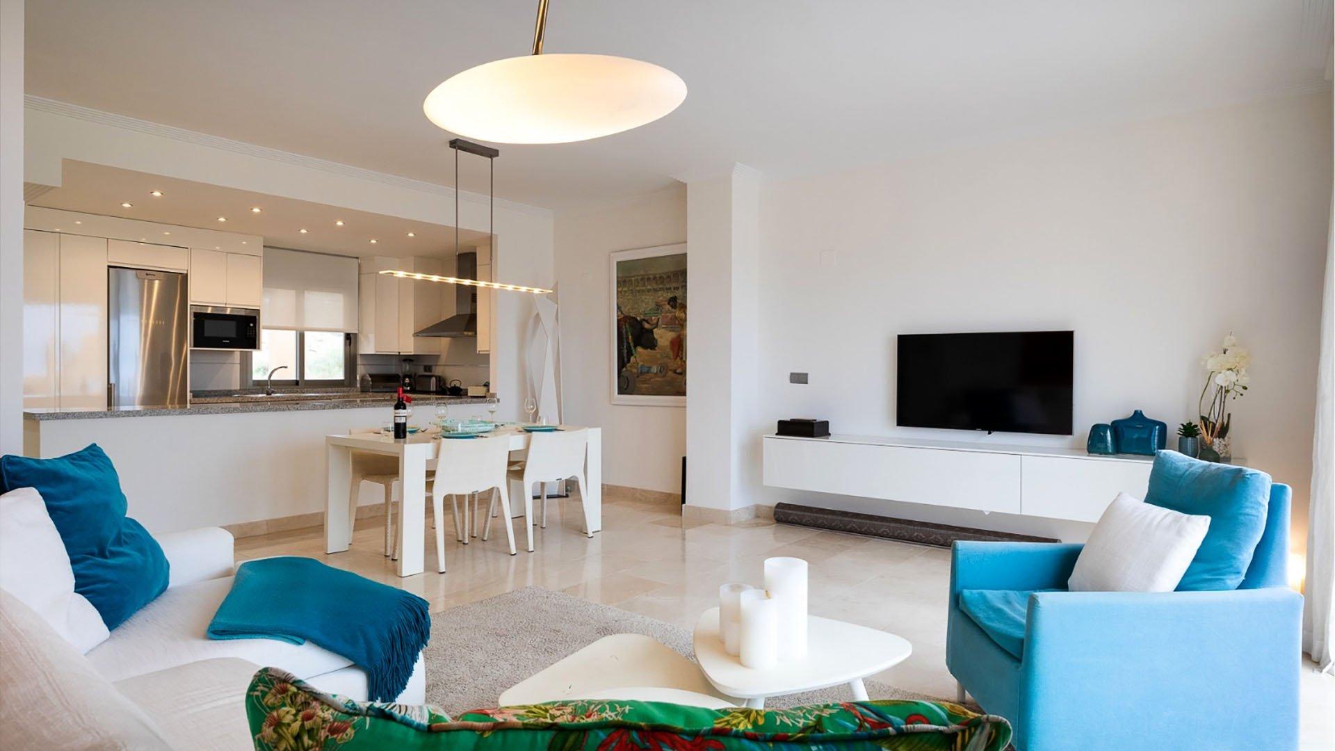 La Resina Golf 388: Renovated penthouse in Estepona, La Resina Golf