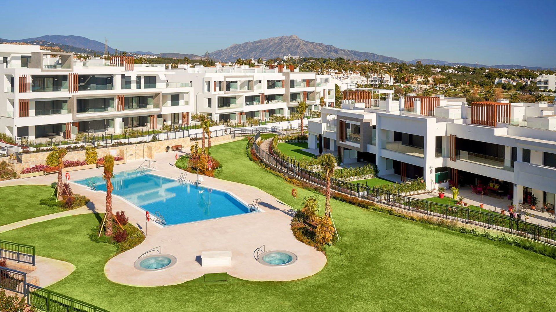 Los Miradores del Sol: Apartments on the New Golden Mile close to the beach