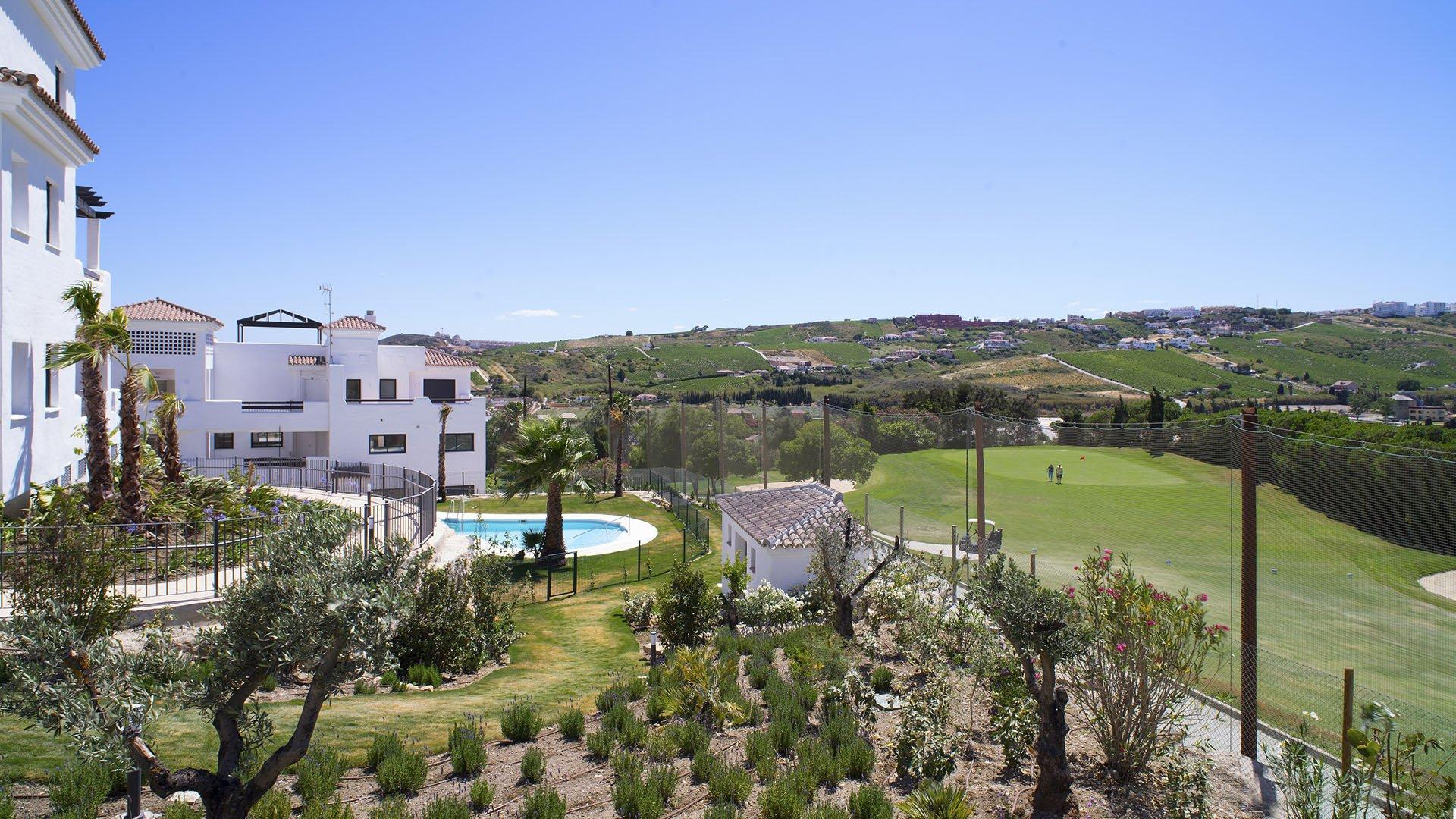 Lotus Doña Julia Casares: Moderne appartementen met zicht op zee en golf