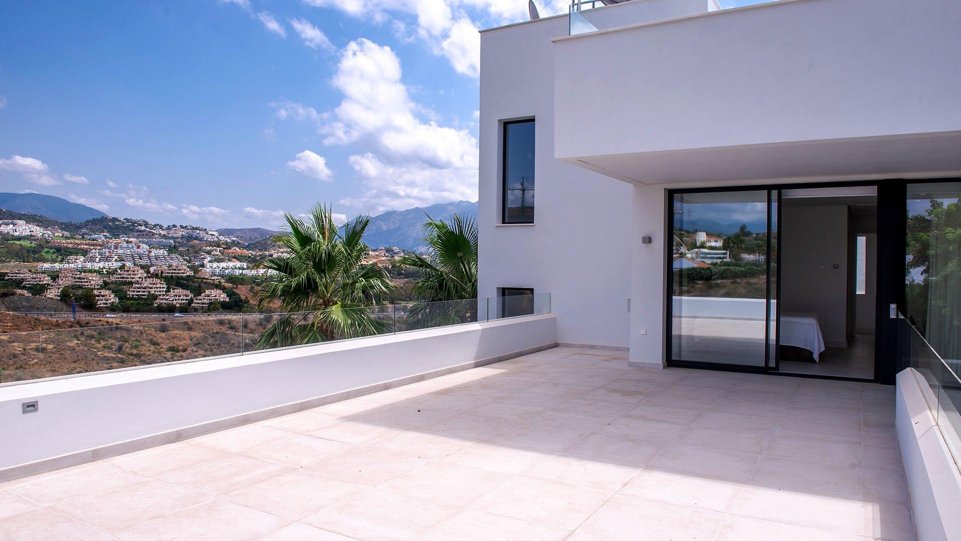 Mirabella Hills: Verborgen schatten in het hart van de Costa del Sol
