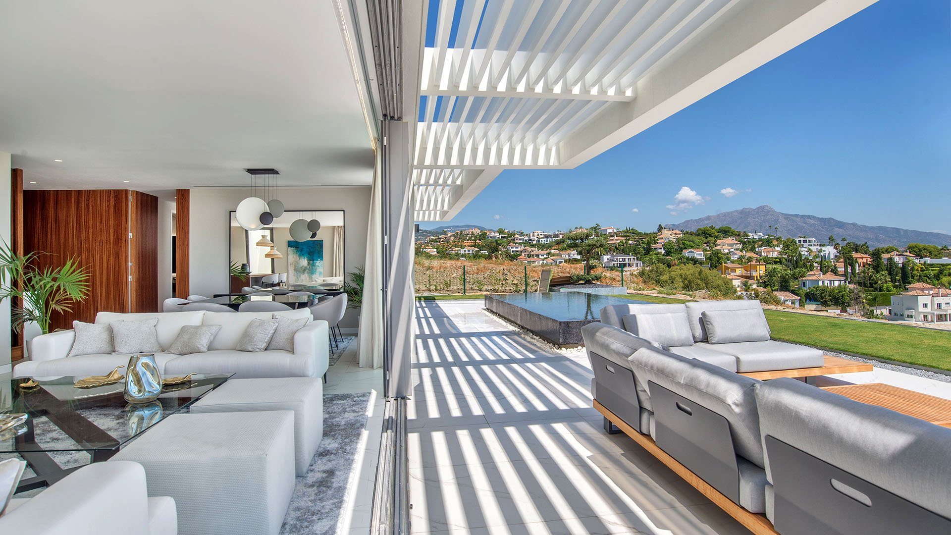 Mirador del Paraíso Infinity: Luxury duplex penthouses on the New Golden Mile