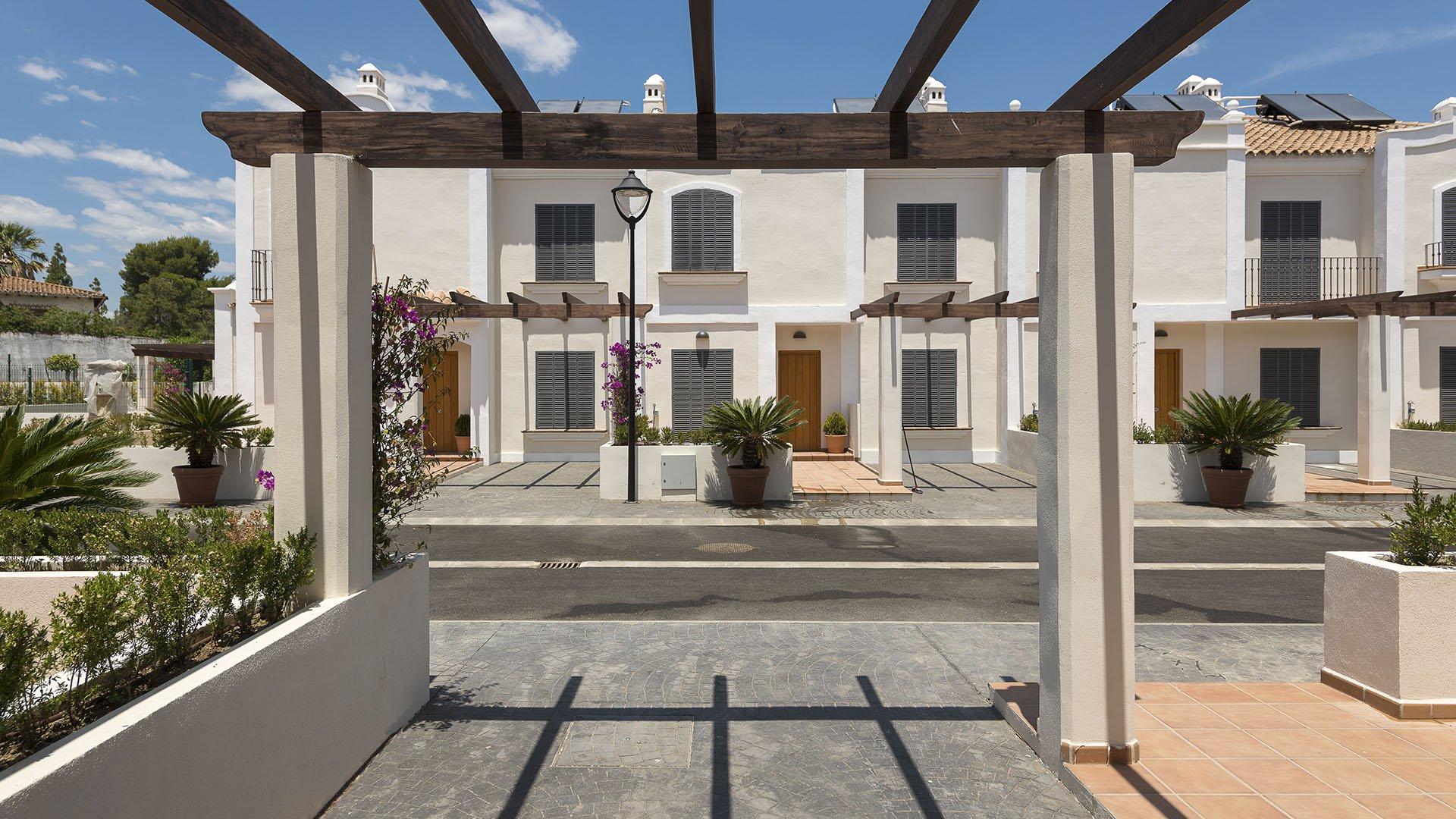 Oasis de Guadalmina Baja: Afgewerkte villa in San Pedro naast het glamoureuze Puerto Banus