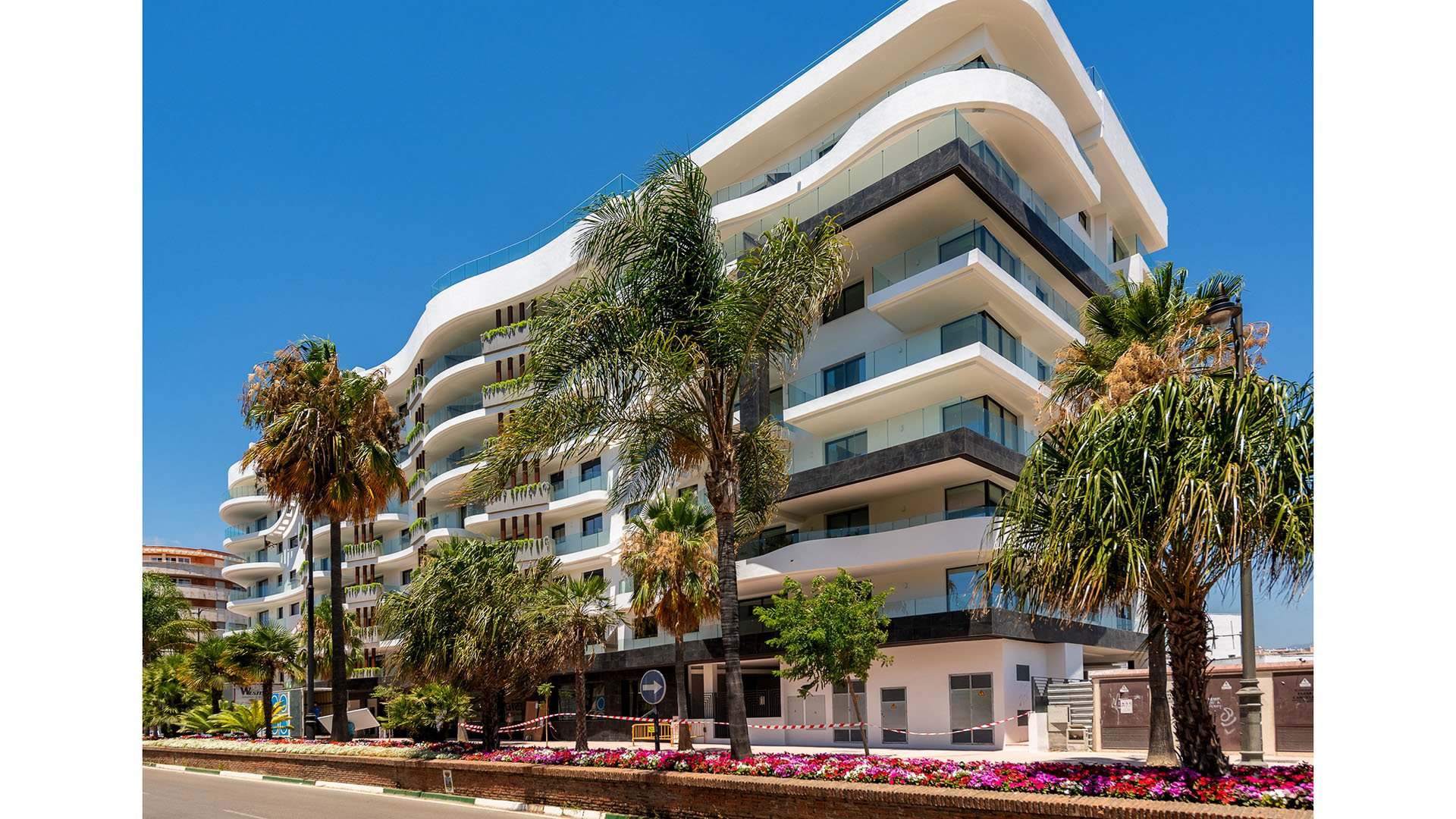 Residencial Infinity: Luxury apartments close to the beach in the heart of Estepona