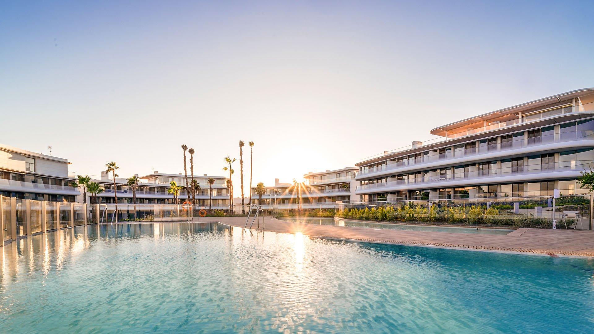 The Edge: Sensational frontline beach penthouses
