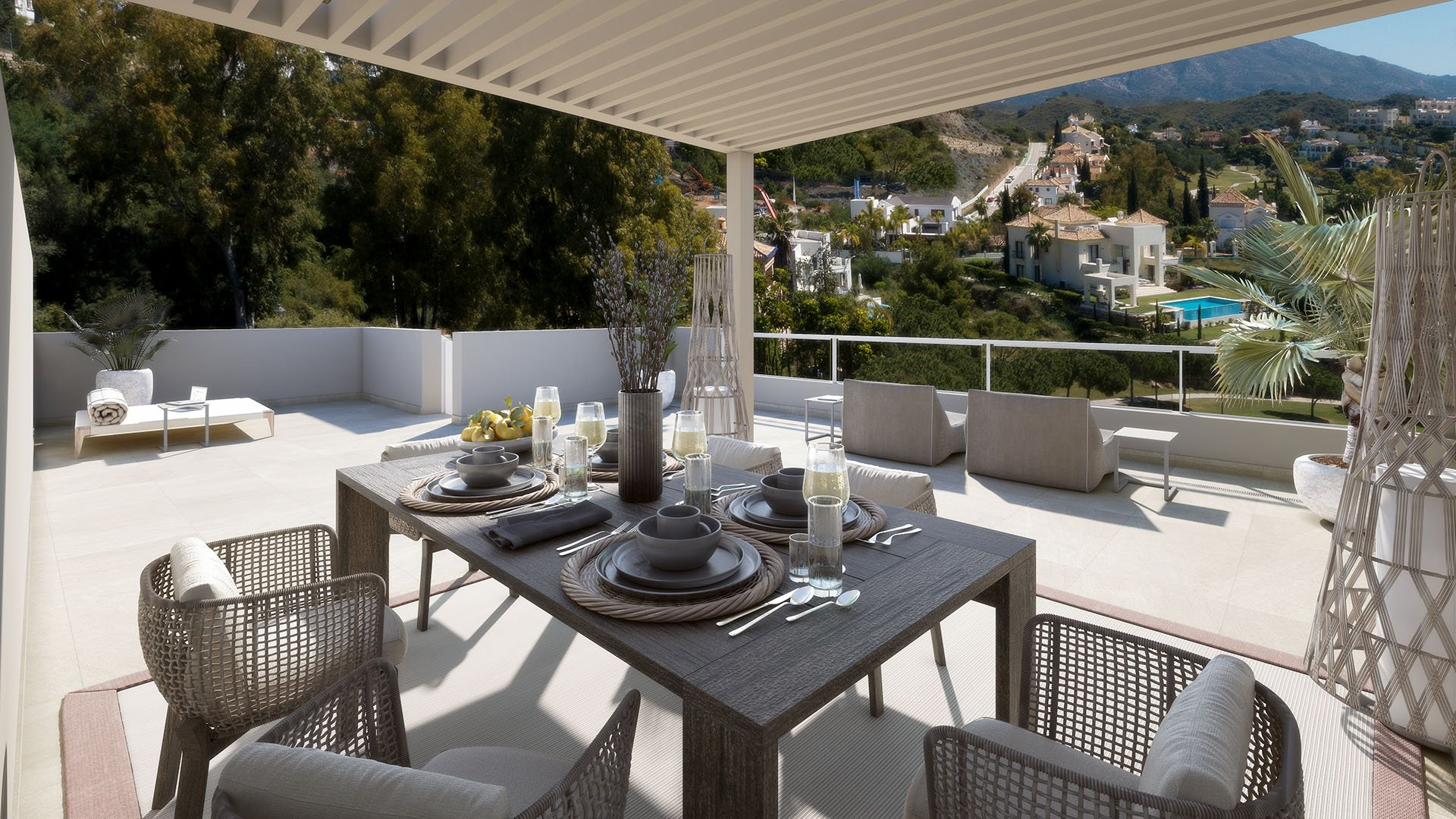 The Crest: Property in Benahavís with views of the golf course and La Concha