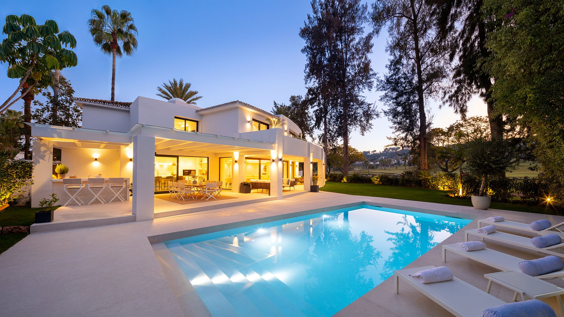 Villa Alexandra: Impressive villa in the heart of Nueva Andalucía's Golf Valley, Marbella