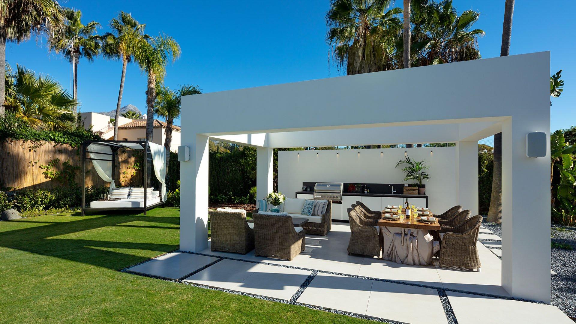 Villa Bodega: Impressive villa in the very heart of Nueva Andalucía, Marbella