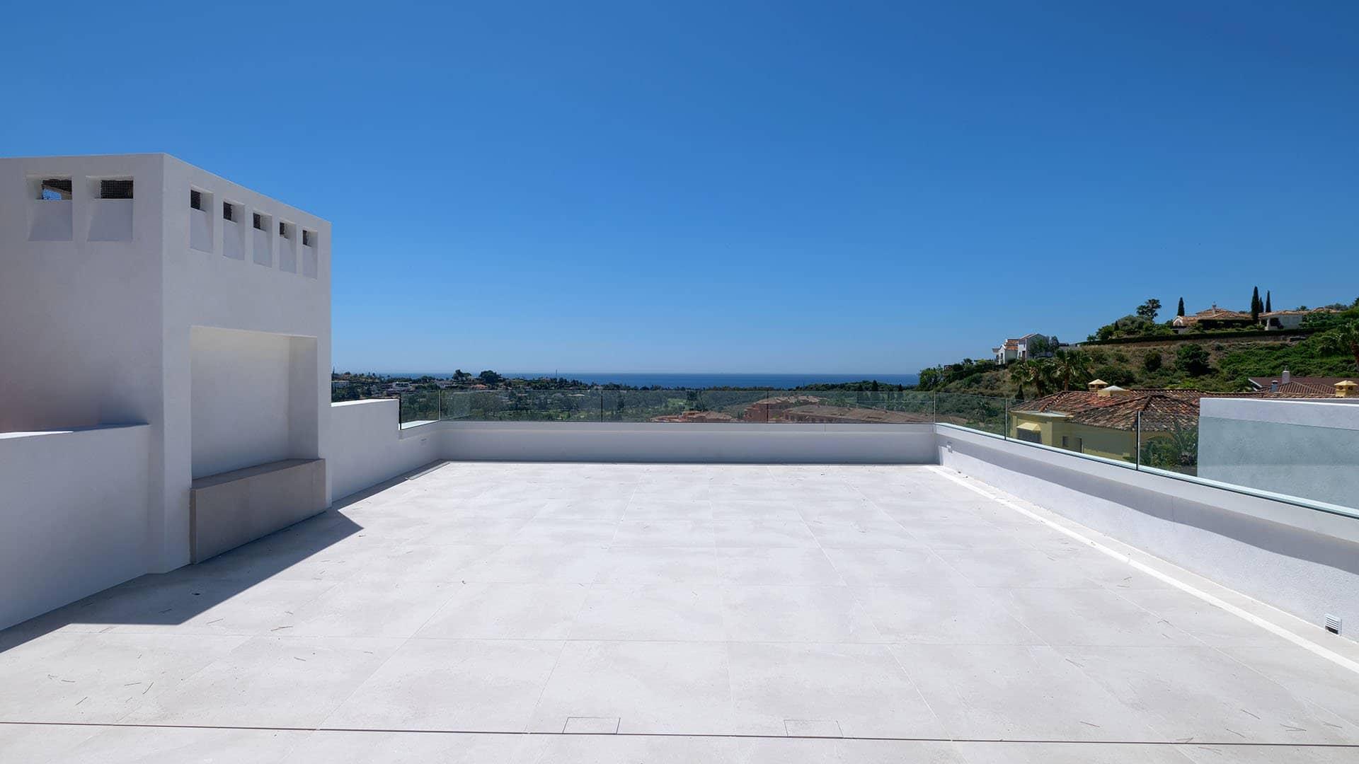 Villa El Paraiso Alto: Luxe villa met spectaculair zeezicht in El Paraíso Alto
