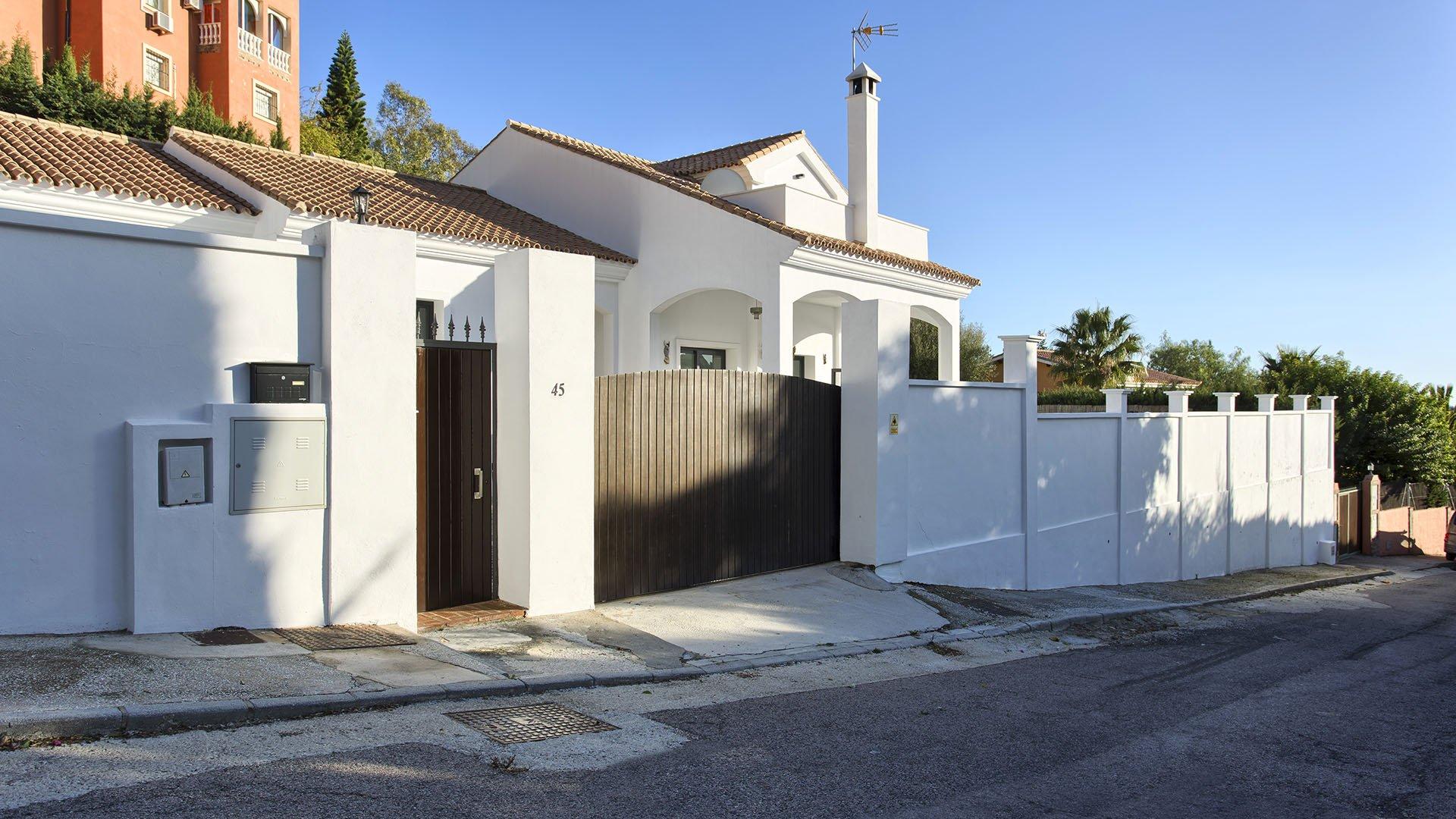 Villa Forest Hills: Renovated villa in Estepona