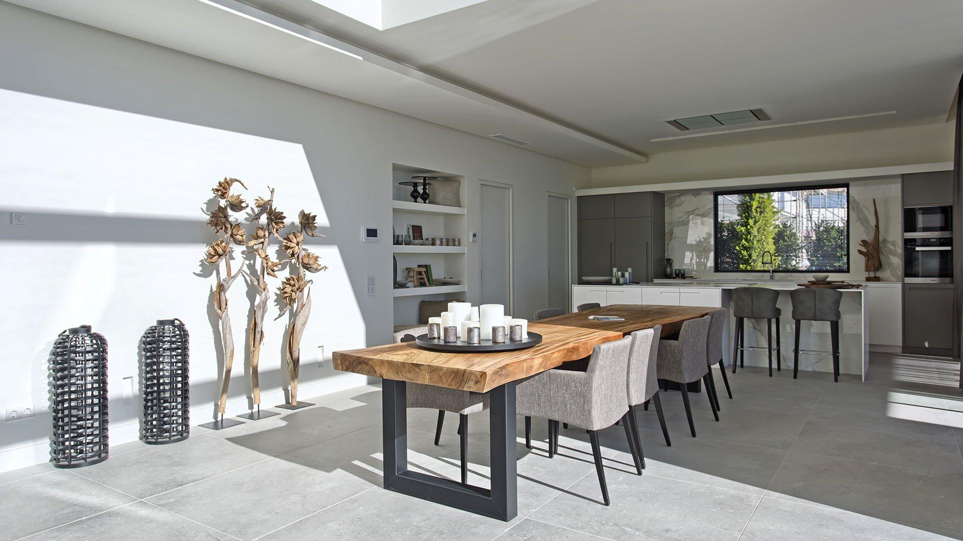 Villa La Alqueria: Contemporary luxury villa with stunning views of the sea
