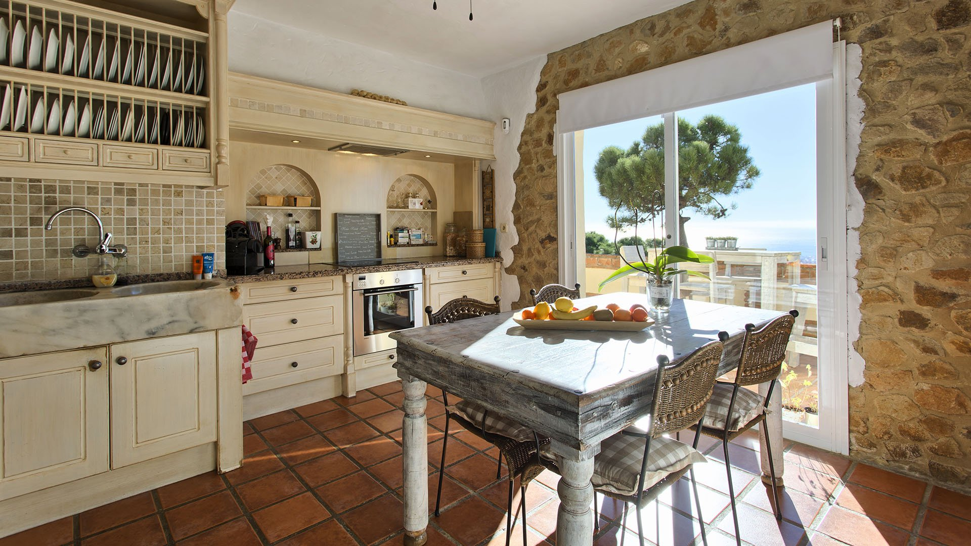 Villa La Zanbancha: Partly renovated villa with 180 degrees panoramic sea views