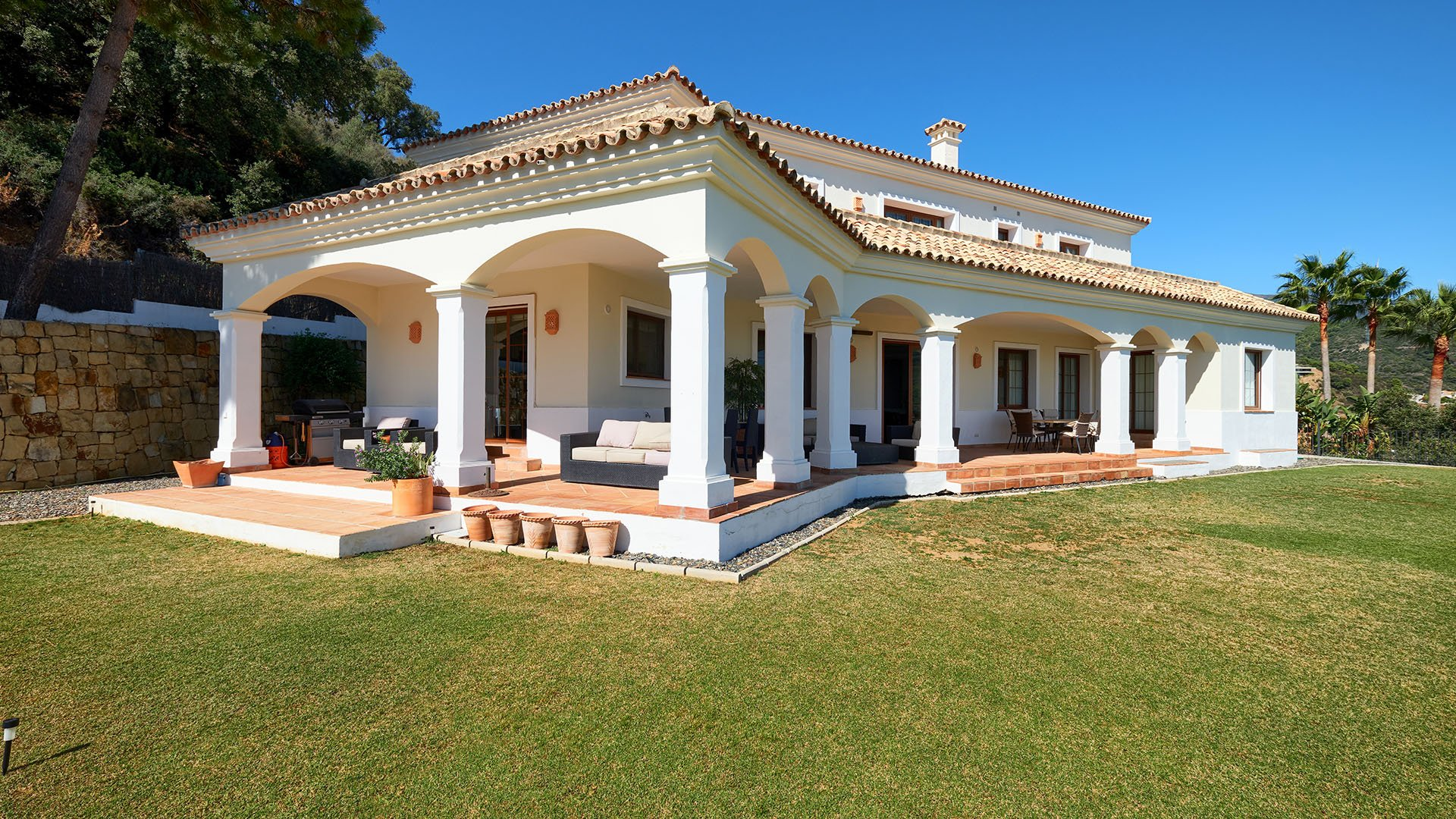 Villa Monte Mayor E5: Charming villa with fantastic sea and mountain views in Benahavís