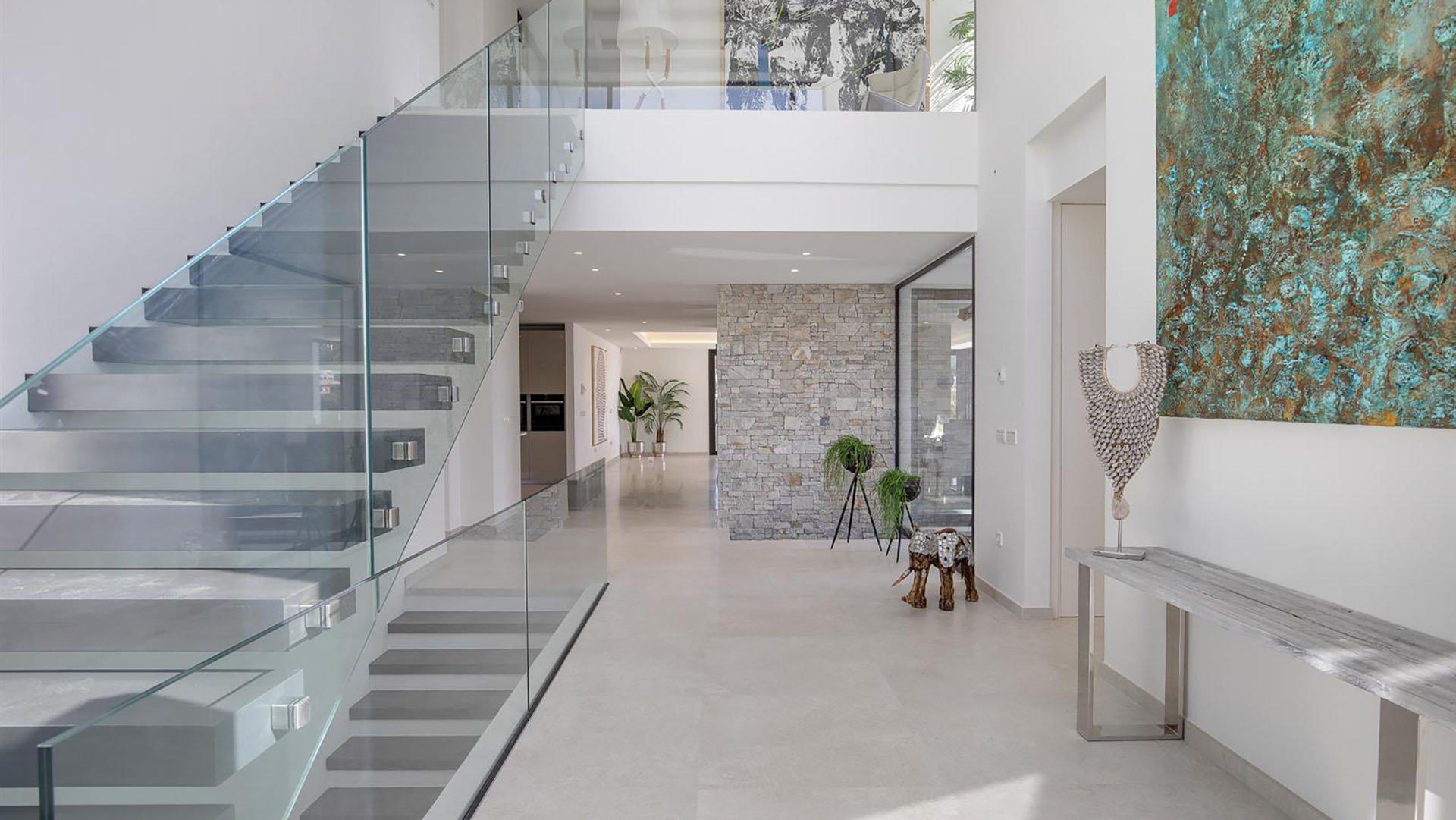 Villa Toscana: Impressive contemporary villa with stunning golf views