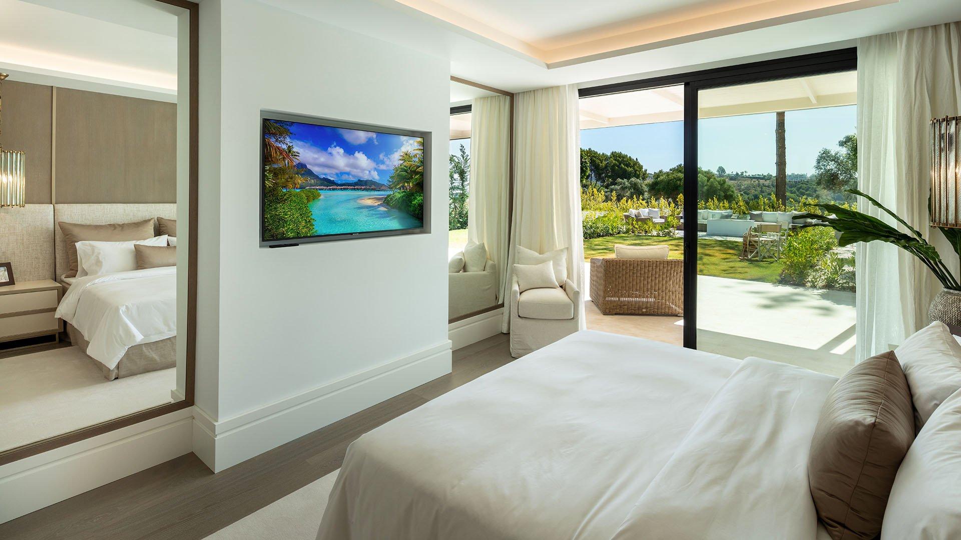 Villa Victoria: Exclusive front line golf villa in Marbella