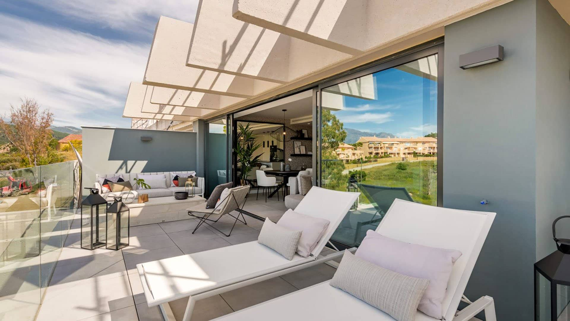 Oasis 325: Well priced apartments in the heart of the Costa del Sol